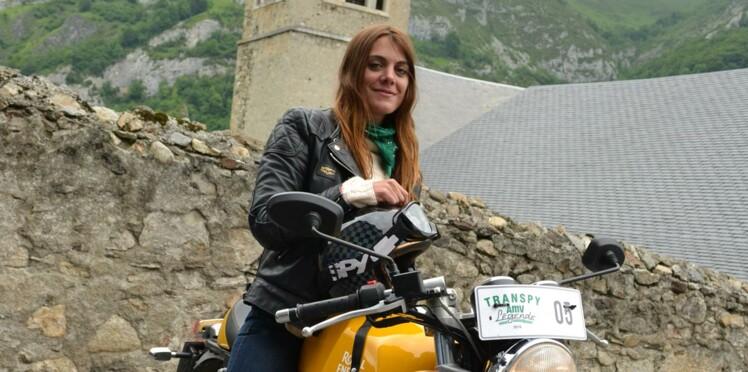 Elle parcourt le monde à moto