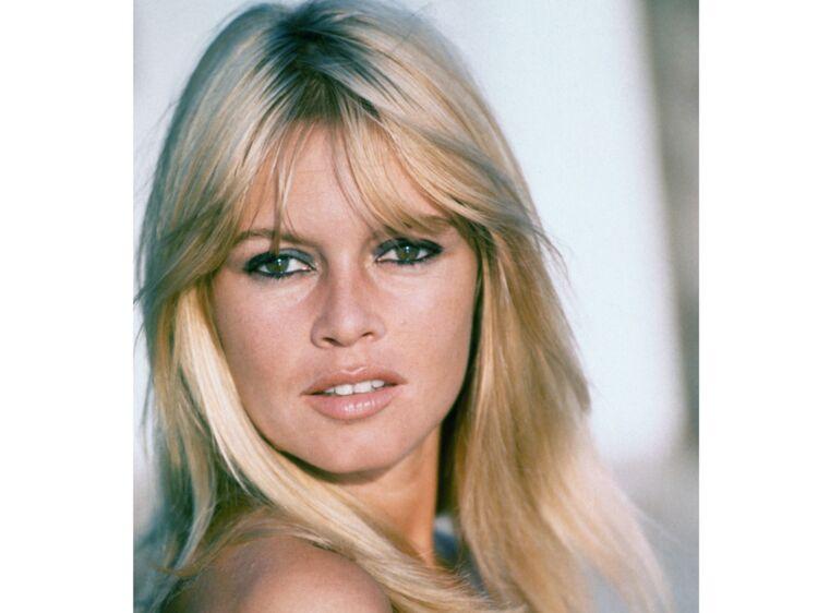 Brigitte Bardot se confie à femme actuelle pour ses 80 ans - Une enfance  difficile   Femme Actuelle Le MAG 2397c3b33d1