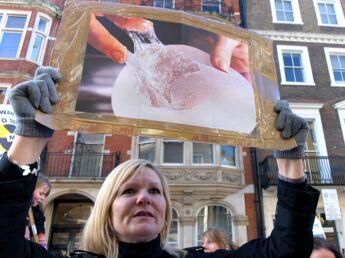 Prothèses PIP: des victimes témoignent