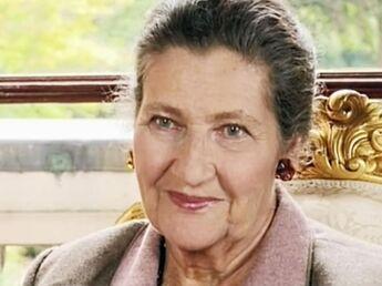 Simone Veil entre à l'Académie française