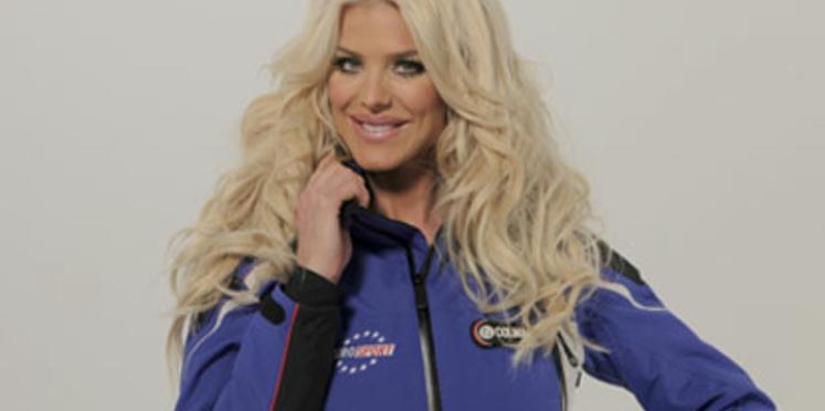 Victoria Silvstedt troque son décolleté contre une combi de ski