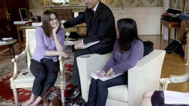 Carla et Nicolas Sarkozy présentent leurs chiens