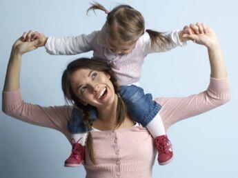 Femme actuelle s'engage pour les mamans solo