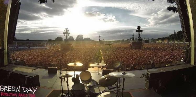 """Vidéo - Quand 65 000 personnes chantent spontanément en chœur """"Bohemian Rhapsody"""""""