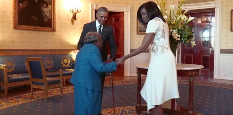 Vidéo : à 106 ans une dame danse de joie en rencontrant le couple Obama