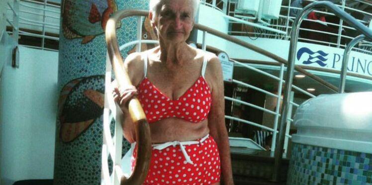 A 90 ans, elle pose en bikini