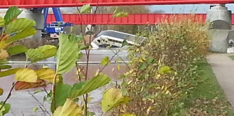 """Accident du TGV en Alsace: """" ma fille est morte pour une expérience"""""""