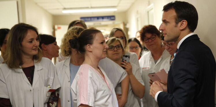 Echange tendu entre une aide-soignante et Emmanuel Macron