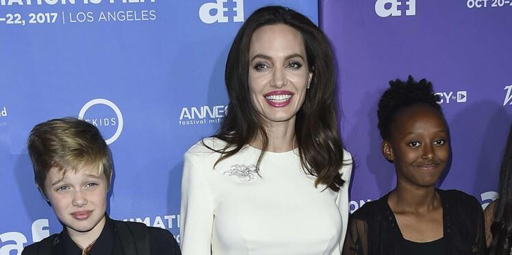 Photos - Angelina Jolie rayonnante sur le red carpet avec ses deux filles Shiloh et Zahara