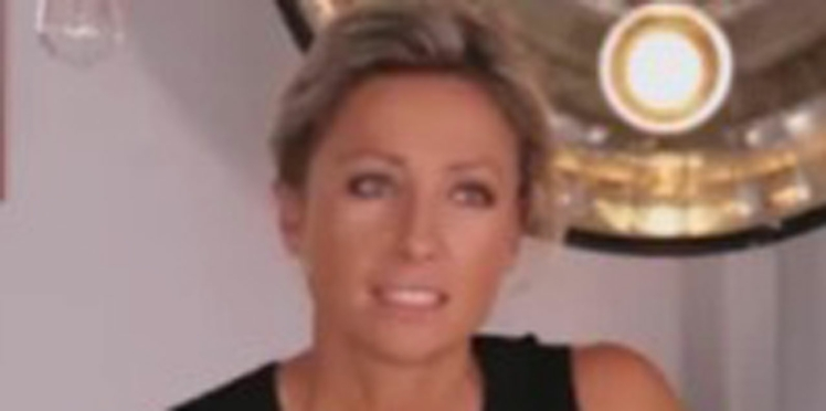 Vidéo: Anne-Sophie Lapix révèle le moment le plus gênant de l'histoire de C à vous
