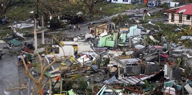 Victimes du typhon aux Philippines: les ONG lancent des appels aux dons