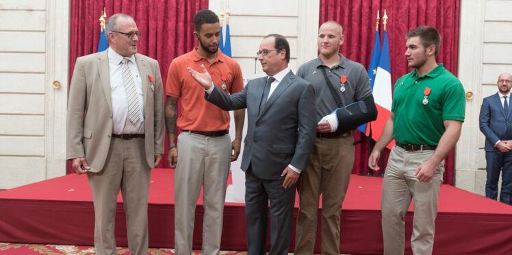 Attaque du Thalys: les héros décorés de la Légion d'honneur par François Hollande