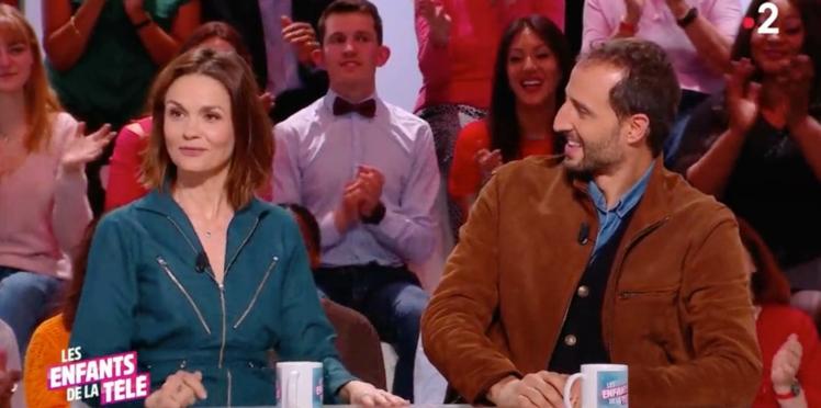 Barbara Schulz et Arié Elmaleh très embarrassés devant une vidéo de l'actrice nue