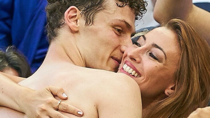 Benjamin Pavard, star de l'équipe de France, fou d'amour pour l'ex Miss France Rachel Trapani Legrain après son but