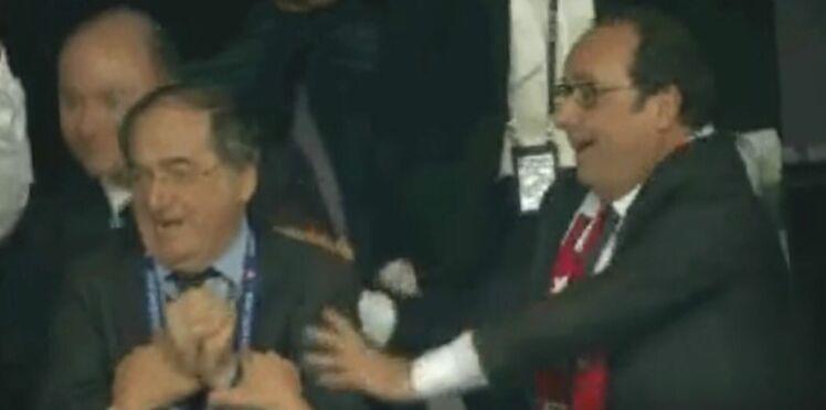 Vidéo : quand François Hollande (fou de joie) pousse le président de la FFF