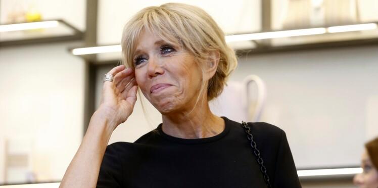 Brigitte Macron encore critiquée pour une jupe trop courte