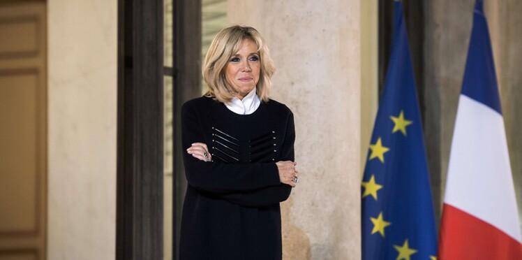 Brigitte Macron croule sous les lettres : son directeur de cabinet se livre sur leur contenu
