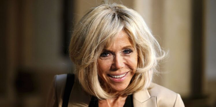 Photos - Brigitte Macron : robe rose ou ensemble bicolore, un look chicisssime au G20