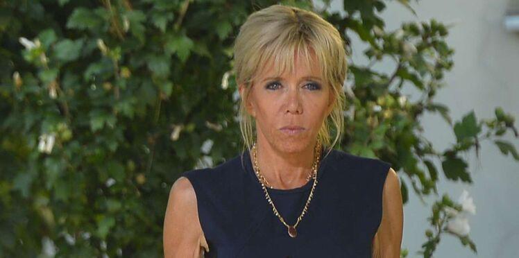 """Brigitte Macron : pourquoi elle s'est """"interdit"""" d'aller aux obsèques de Mireille Darc"""
