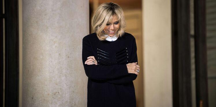 Victime de sa popularité, Brigitte Macron a pris du retard dans son travail