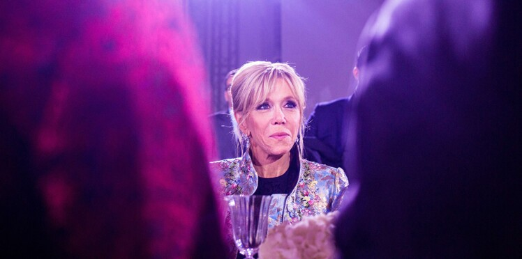 """Brigitte Macron : sa petite routine quotidienne pour ne pas """"se couper du réel"""""""