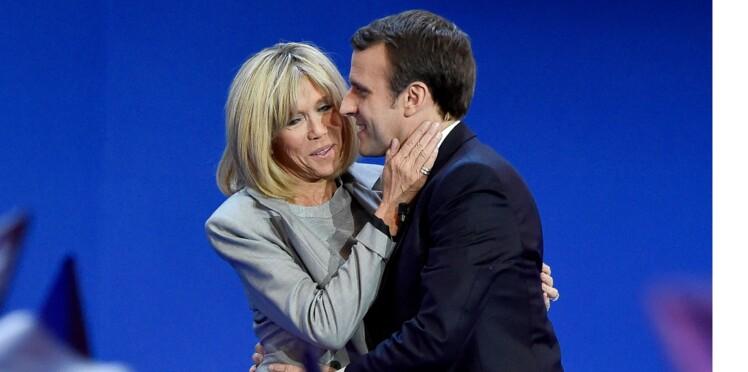 """Brigitte Macron: """"péroxydée"""",""""bronzée""""... les médias étrangers la scrutent à la loupe"""