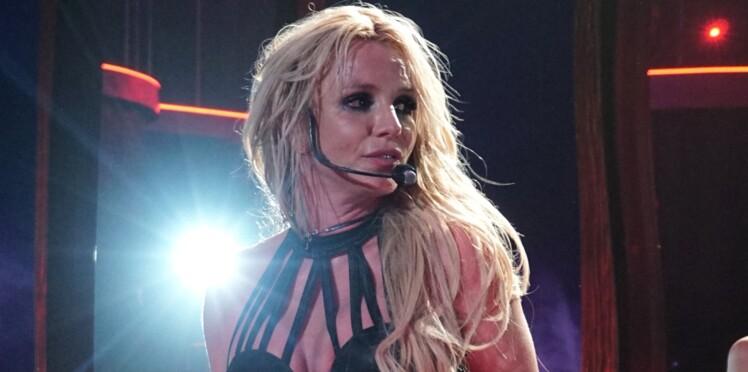 Britney Spears victime d'un accident de costume très gênant en plein concert