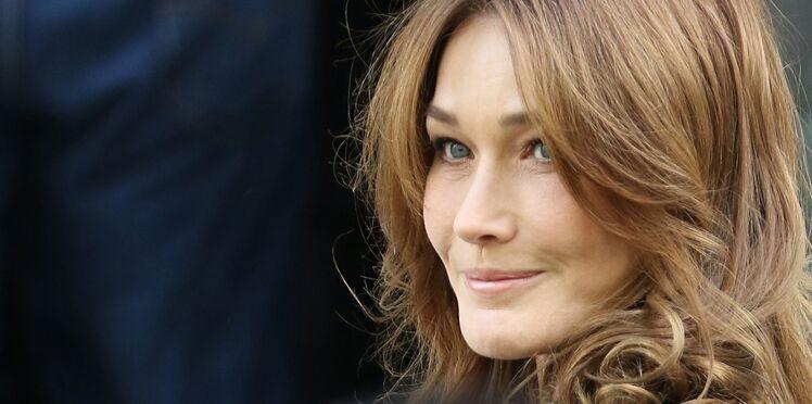 Carla Bruni-Sarkozy se moque de François Hollande