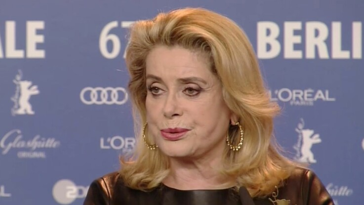 Catherine Deneuve remet une journaliste à sa place au festival de Berlin