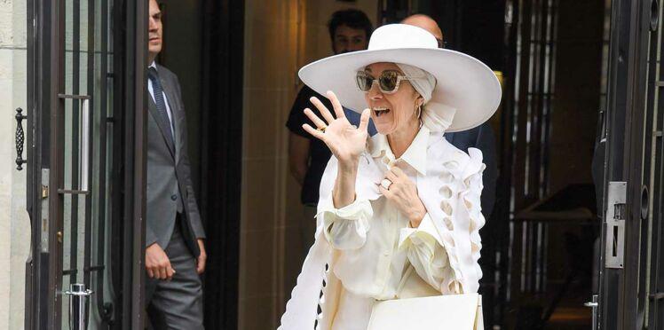 Photos - Céline Dion en fait-elle trop ? La chanteuse moquée par les internautes