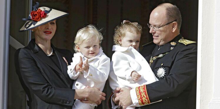 Photos - Charlène et Albert de Monaco : visite d'une crèche avec leurs jumeaux, Gabriella et Jacques