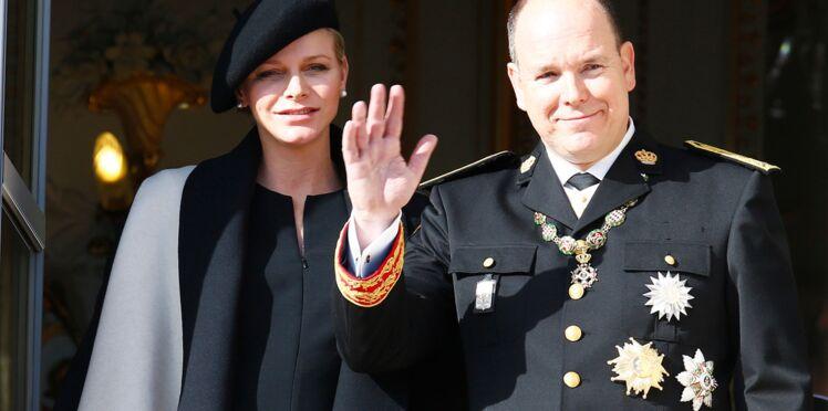 Charlène de Monaco, radieuse enceinte de huit mois (photos)