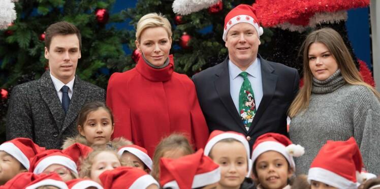 Charlène et Albert de Monaco jouent à la mère et au père Noël
