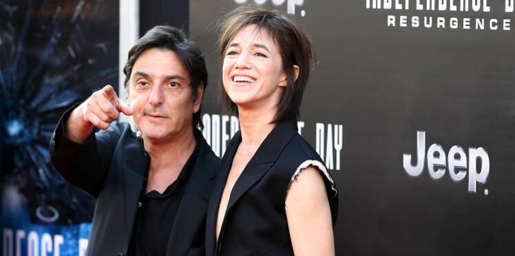 Photos - Charlotte Gainsbourg et Yvan Attal : leur histoire d'amour au fil des ans