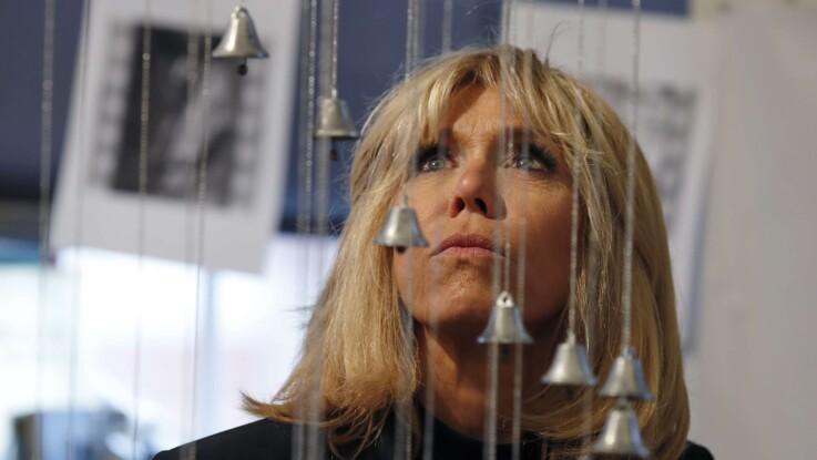 """Comment Brigitte Macron réagit aux """"ignobles"""" allusions sur son couple"""