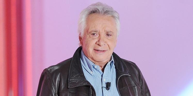 Contraint de prendre du repos, Michel Sardou annule deux concerts et l'annonce lui-même sur scène