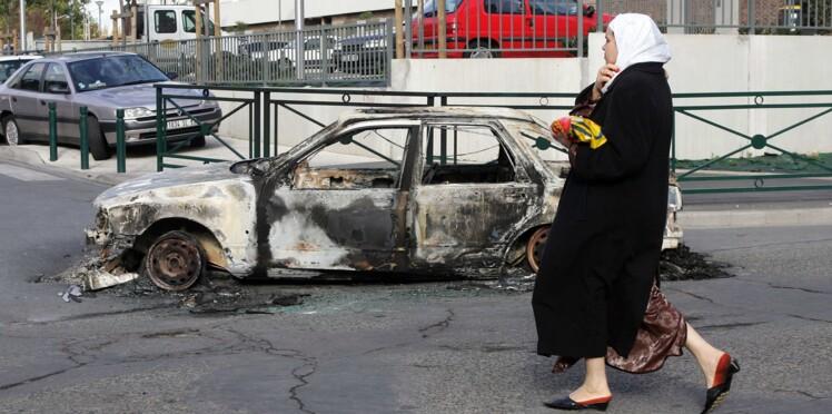 Aulnay-sous-Bois : des mères vont patrouiller le soir du réveillon pour traquer les incendiaires