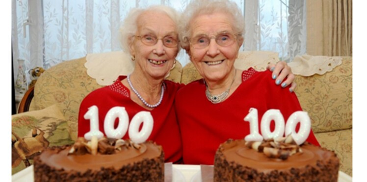 Deux jumelles célèbrent leurs 100 ans ensemble