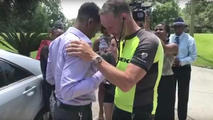 Vidéo : un père parcourt 4000 km pour écouter le cœur de sa fille