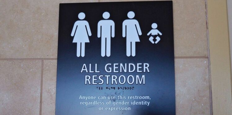 """Donald Trump relance """"la guerre des toilettes"""" pour les transgenres"""