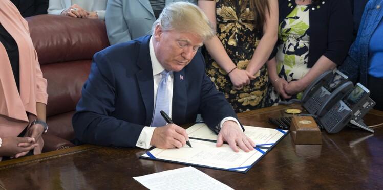 Des fonctionnaires de la Maison Blanche payés 56 000 euros par an pour recoller les papiers déchirés par Donald Trump