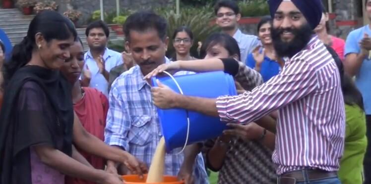 """Le """"rice bucket challenge"""", des seaux de riz contre la malnutrition"""