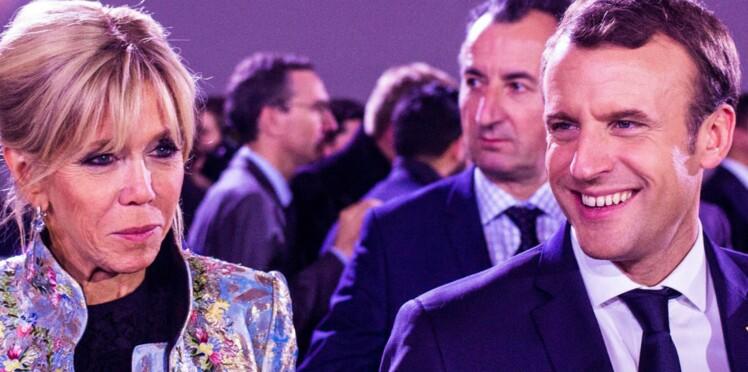 Photos - Emmanuel et Brigitte Macron accueillent Mickey, Minnie, le père Noël et 500 enfants à l'Élysée
