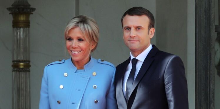 Découvrez quelle chanson d'amour Emmanuel Macron joue à Brigitte au piano