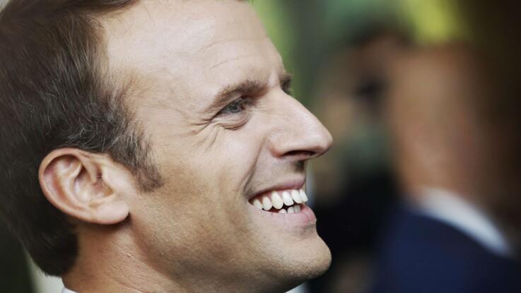 Emmanuel Macron alerté par une odeur de cannabis, sermonne les jeunes fumeurs