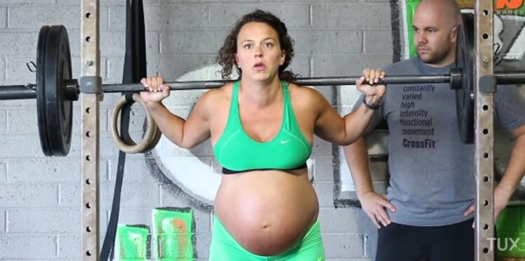 Enceinte, cette jeune femme à terme soulève 70 kg d'haltères