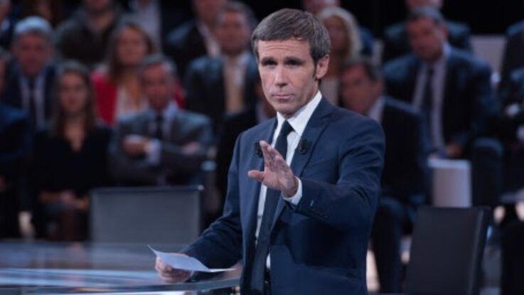 David Pujadas explique enfin pourquoi il a pris la main de Léa Salamé face à Marine Le Pen