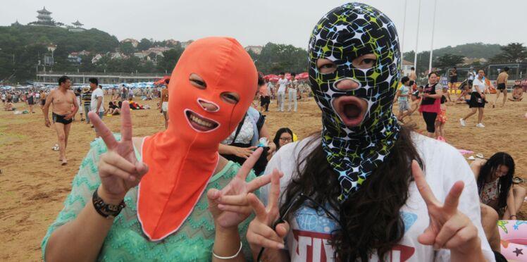 Le Face-kini, accessoire anti-soleil des Chinoises