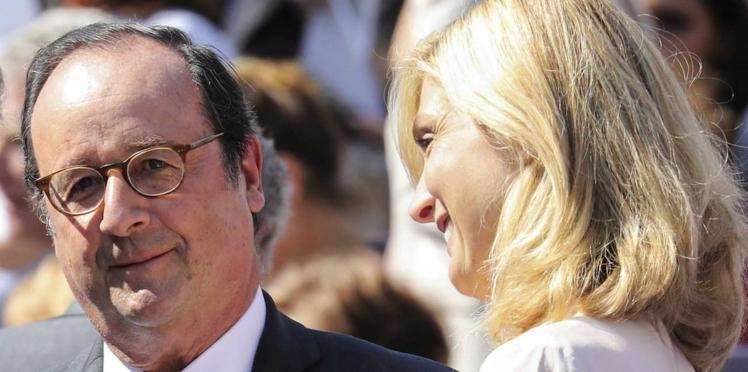 Simplement heureux, François Hollande et Julie Gayet au concert d'Alain Souchon