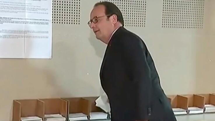 François Hollande a failli oublier un bulletin dans l'isoloir au premier tour, devinez lequel !